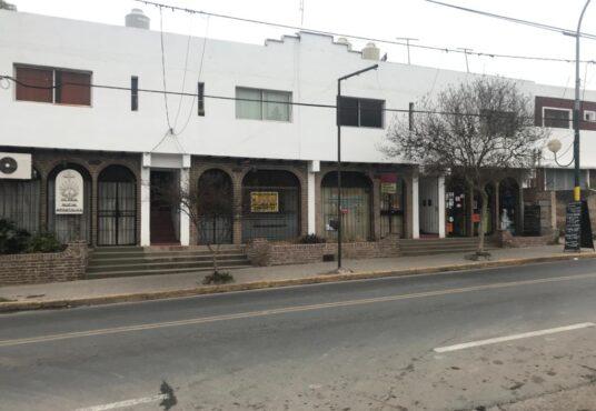 Salón comercial ubicado en Av San Martín 2.900